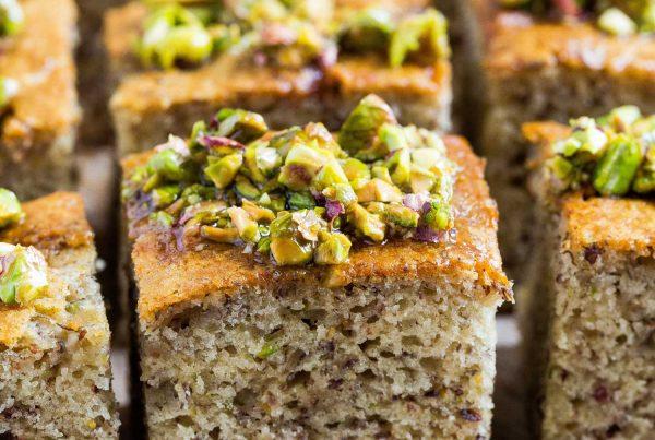 pistachio flavoured cake slices