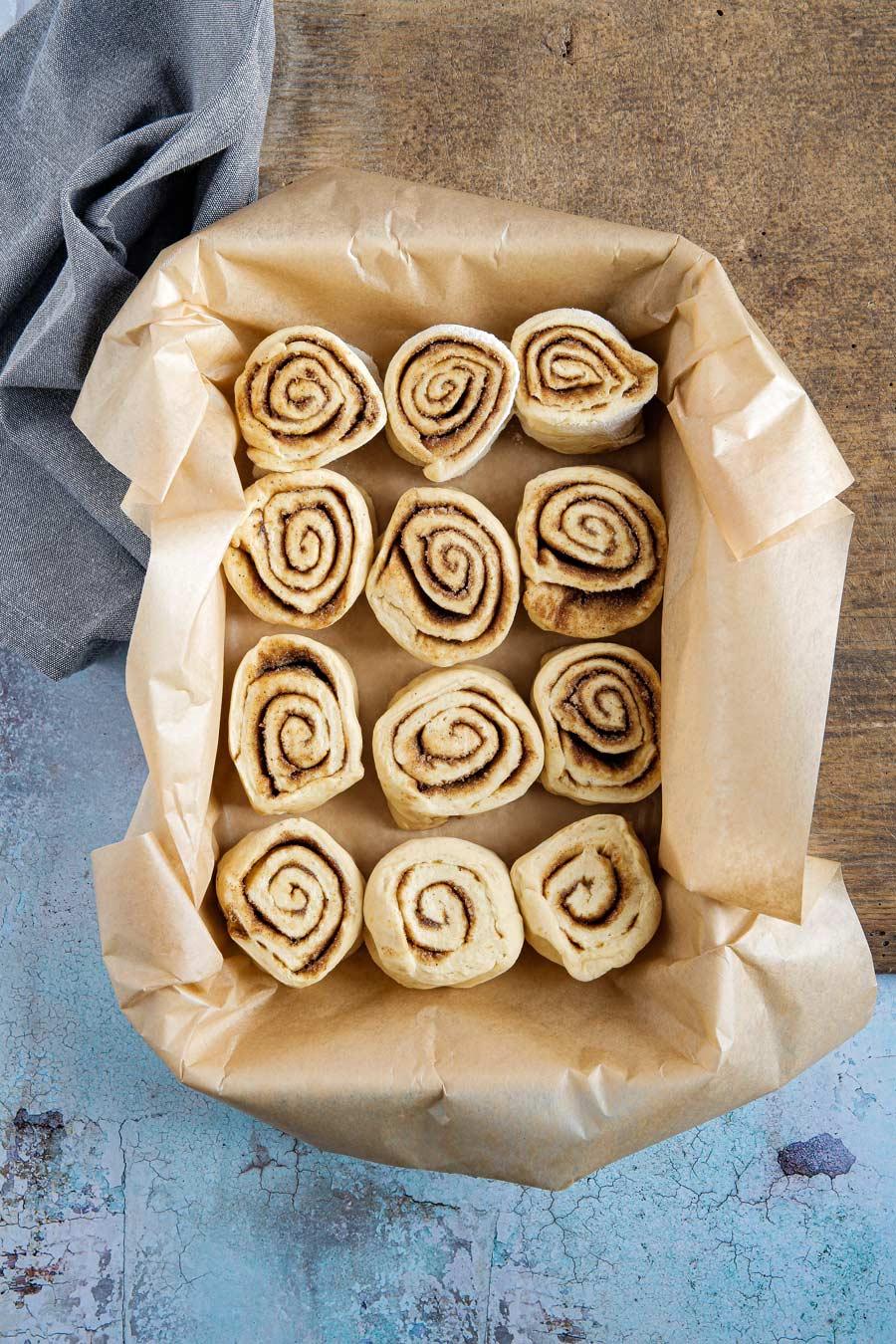 pumpkin spice cinnamon rolls - foodie flavours