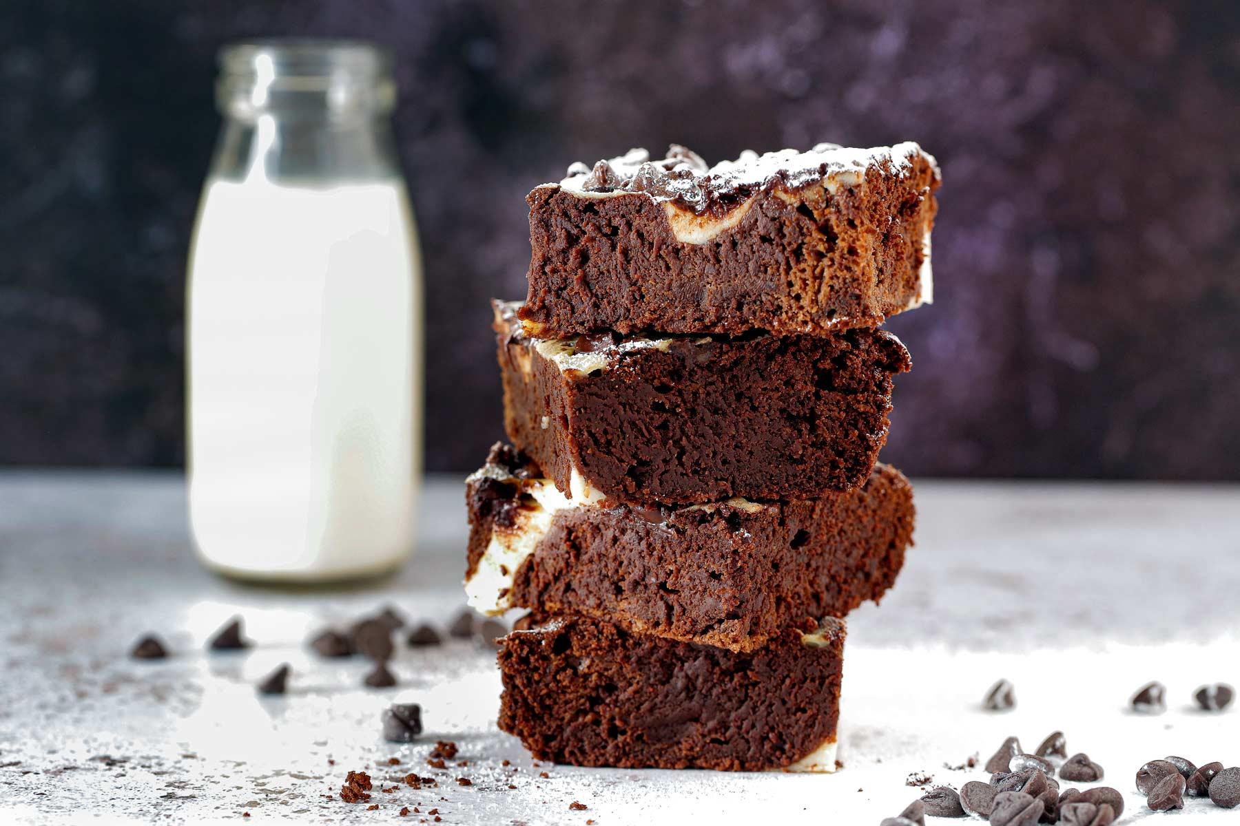 Vegan Blackcurrant Cheesecake Brownies